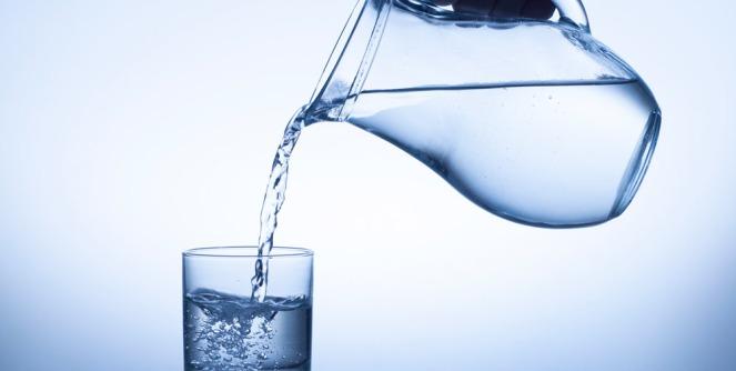 Por-que-es-importante-beber-agua-para-nuestro-cerebro-